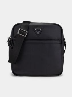 Кросбоди чанта в черен цвят - 1