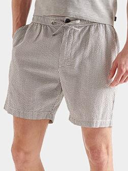 Раирани къси панталони - 1