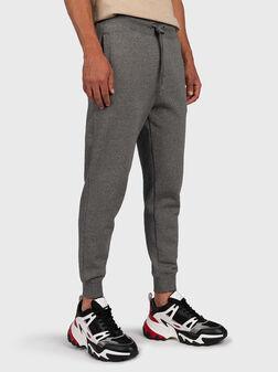 Спортен панталон с лого патч - 1