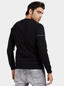 Пуловер JAY с контрастно лого - 1