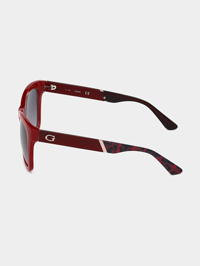 Sunglasses with red frames - 2